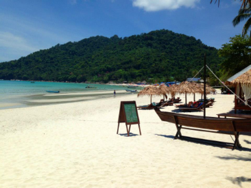 Travel Review: The Perhentian Islands - Malaysia