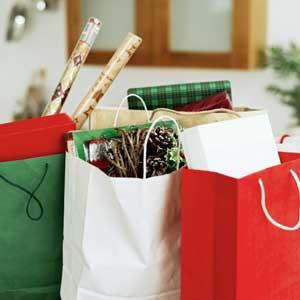 7 Ways Holiday Shoppers Plan to Save Money